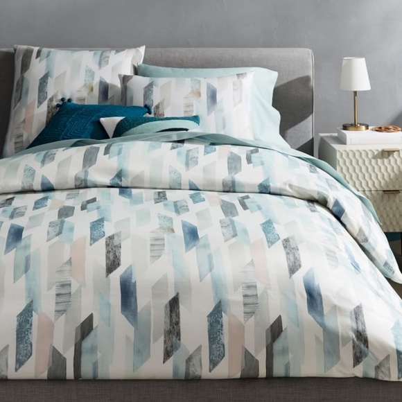 West Elm Other - West Elm Organic Sateen Crystal Geo Duvet Cover